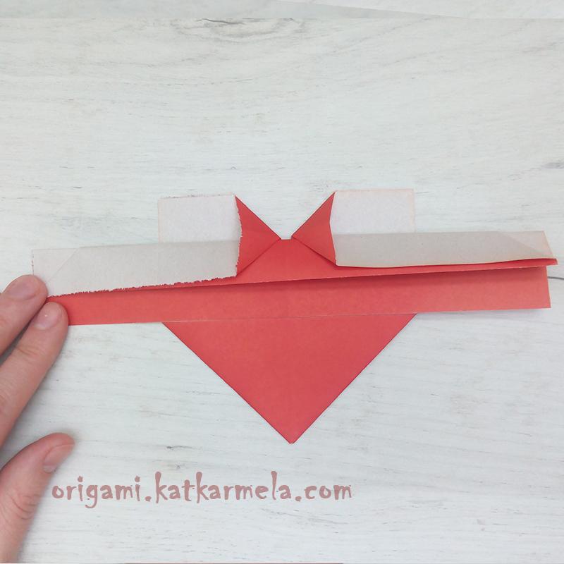 сердце с крыльями из бумаги